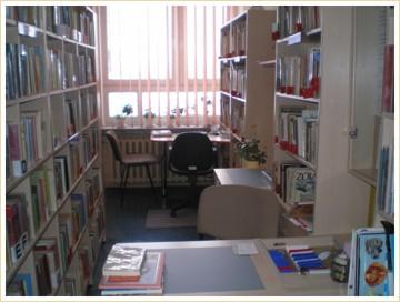 - biblioteka3_2010.jpg